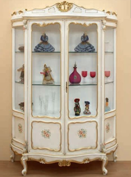 White lacquered baroque style display cabinet
