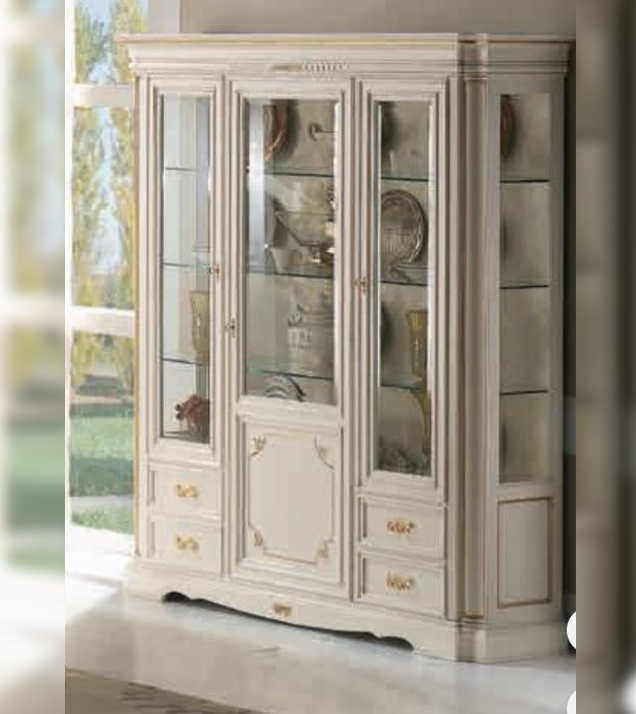 White lacquered classic style showcase