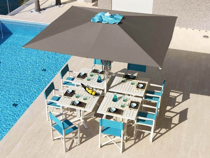 central pool umbrella